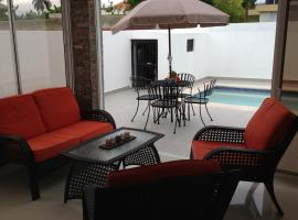 Hotel photo: Modern Three Bedroom House With Private Pool