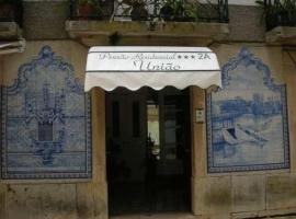 Hotel Photo: Residencial Uniao - Guest House