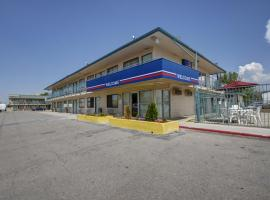 A picture of the hotel: Motel 6 Salt Lake City West - Airport