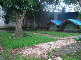 Hotel photo: El Patio Hostal & Camping