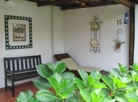 Hotel photo: Thatchers Guest House