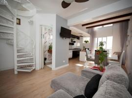 Hotel Photo: Apartamento Triplex Place Vendome