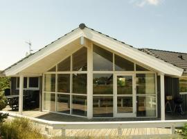Hotel Photo: Holiday home Baunebjergvej H- 348