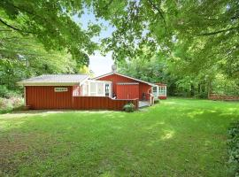 Hotel Photo: Holiday home Bjergets D- 440