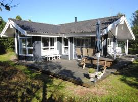 Hotel Photo: Holiday home Blåbærstien F- 522