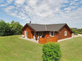Hotel Photo: Holiday home Blåbærvej F- 530
