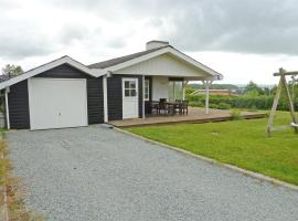 Hotel Photo: Holiday home Blombjergvej F- 562