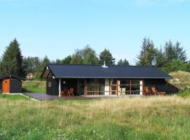 Hotel Photo: Holiday home Brijdavej E- 665