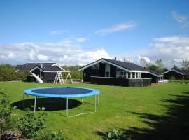 Hotel Photo: Holiday home Duevænget F- 898