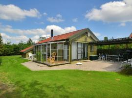 Hotel Photo: Holiday home Kongelunden F- 2410