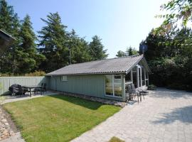 Hotel Photo: Holiday home Leopardvej H- 2676