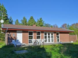 Hotel Photo: Holiday home Regnspoven F- 3690