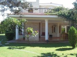Hotel Photo: Three-Bedroom Villa at Armed Forces Village, North coast