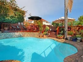 Hotel Photo: 40 Winks Guest House Green Point