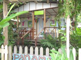 Hotel near Bocas Del Toro Intl airport : Saigoncito Double Room with Kitchen and Bikes