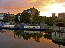 Houseboat Hotels Sheffield United Kingdom