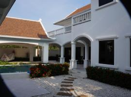 4 Bedroom Villa in Pattaya Beachfront Na Jomtien Tayland