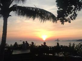 Hotel Photo: Banana Sunset - Bar & Bungalows
