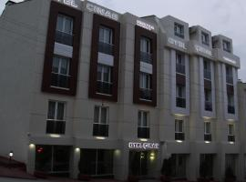 Hotel Photo: Cinas Hotel