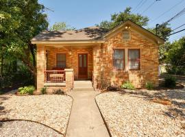 Hotel near  Camp Mabry Austin City  airport:  Authentic Central Austin Home by TurnKey Vacation Rentals
