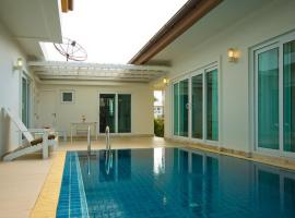 Seabreeze Pool Villa Pattaya  Thailand