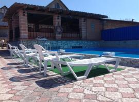 Hotel photo: Samaras Cottages Volzhsky 9