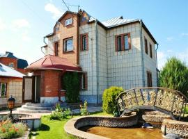 Hotel photo: Samaras Cottages Usadba 10