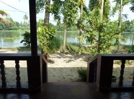 """Nature House """"ROMANCE"""" Lake side Guest House Alleppey  الهند"""