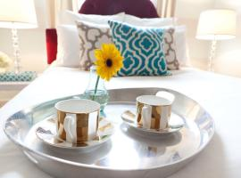 Stylish 2 BR || LUXURY for Less  USA