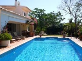 Hotel Photo: Villa in Quinta Do Lago VII