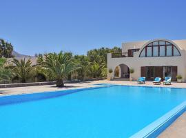 Hotel near Santorini airport : Villa in Cyclades I