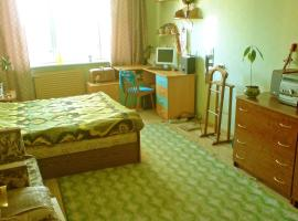 Hotel near Tunoshna airport : Apartment Country