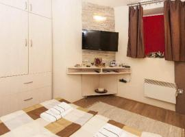 Hotel near Belgrade: Central Apartment Happy 2