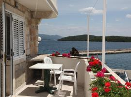 Hotel near Korcula: Apartments Luka