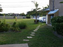 Hotel near Grand Bahama Intl airport : Home Sweet Home Town House rentals
