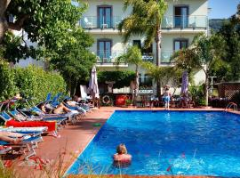 Hotel Photo: Comfort Hotel Gardenia Sorrento Coast
