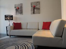 Hotel near  City Centre  airport:  Toronto Vacation Home Rentals - Luxury CN Tower & Lake View Condo