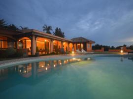 Hotel photo: Villa Eimeo by Tahiti Homes