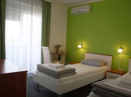 Hotel near  Osijek  airport:  Pension Komfor Fitea
