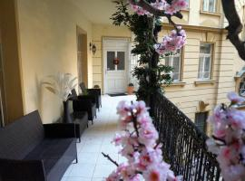 Hotel Photo: Artoral Rooms and Apartment Budapest
