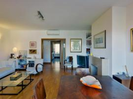 A picture of the hotel: Feels Like Home - Restelo Flat with Terrace