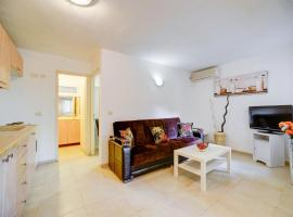 Hotel photo: Paradise TLV Apartments - Nordau 47