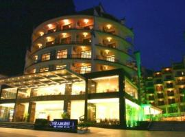 Hotel Photo: Yangshuo Tangrenjie Hotel