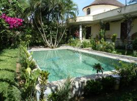 Hotel photo: Gaïa's Garden Bed and Breakfast Abidjan