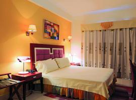 Hotel photo: Roma Ritz Huambo