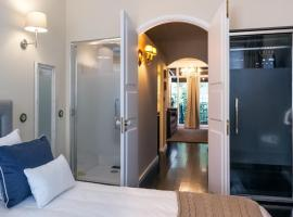 Hotel photo: BmyGuest - Real Casta Apartment II