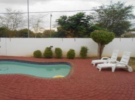 Hotel near Sir Seretse Khama Intl airport : Zanville Bed and Breakfast