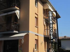 Hotel Photo: Hotel Benacus