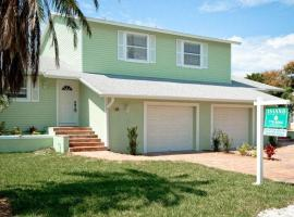 Hotel Photo: Key Lime Cottages 202