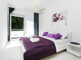 A picture of the hotel: Apartment Purple Magic
